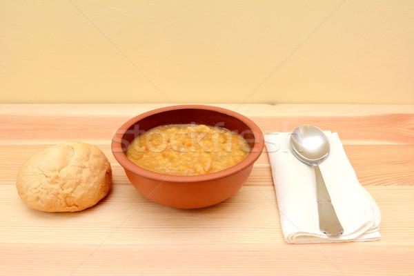 Sopa de legumes tigela pão rolar colher Foto stock © sarahdoow