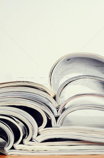 Revistas tabela imprimir estilo de vida pormenor Foto stock © Sarkao