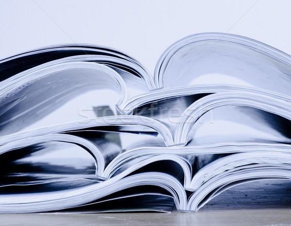 Foto stock: Revistas · mesa · impresión · estilo · de · vida · primer · plano · detalle