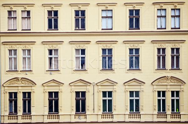 Arquitetura histórica edifício arquitetura windows europa apartamento Foto stock © Sarkao