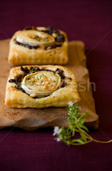 Sütemény kecskék sajt vöröshagyma kicsi kecske Stock fotó © sarsmis