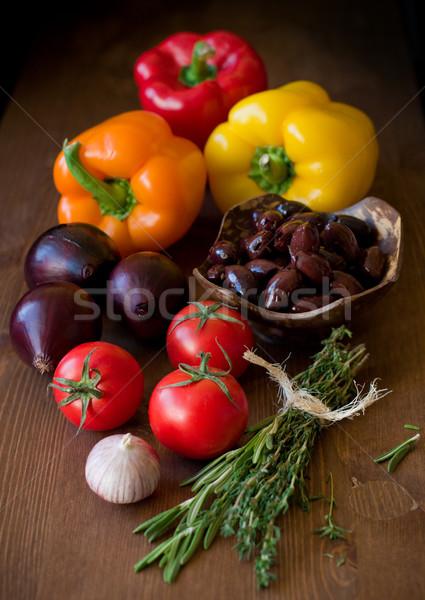 Légumes légumes frais table en bois alimentaire repas ail Photo stock © sarsmis