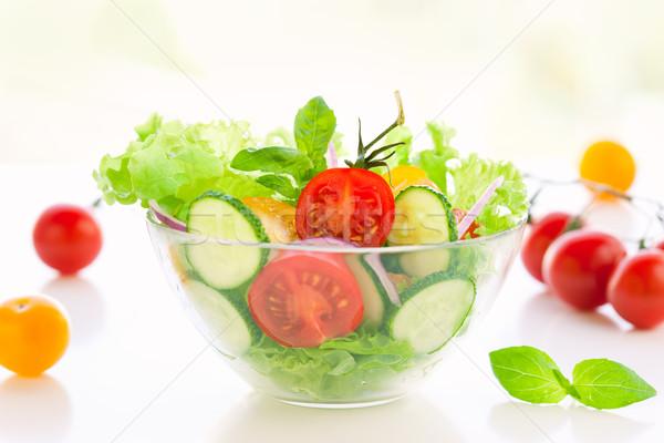 Tomate pepino ensalada frescos alimentos comida Foto stock © sarsmis