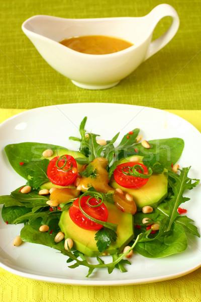 Avocat salade écrou fraîcheur apéritif Photo stock © sarsmis