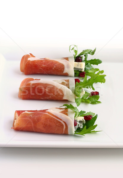 Prosciutto canneberges alimentaire feuille fromages salade Photo stock © sarsmis