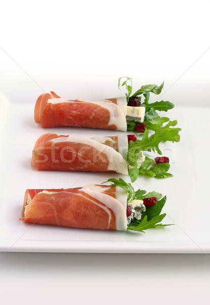 Prosciutto vörösáfonya étel levél sajt saláta Stock fotó © sarsmis