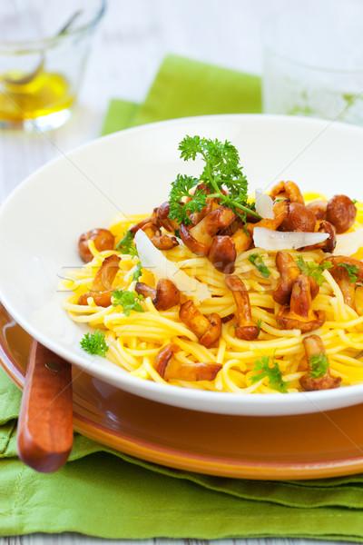 Macarrão espaguete verde queijo vegetal cogumelo Foto stock © sarsmis