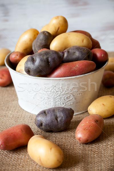 Nouvelle pommes de terre pourpre rouge marché Photo stock © sarsmis