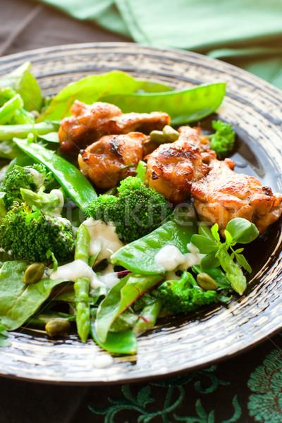 Poulet ailes légumes salade brocoli vert Photo stock © sarsmis