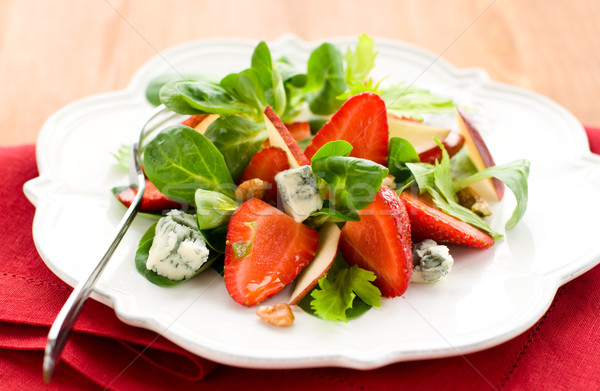 Eper saláta gyümölcs nyár zöld sajt Stock fotó © sarsmis