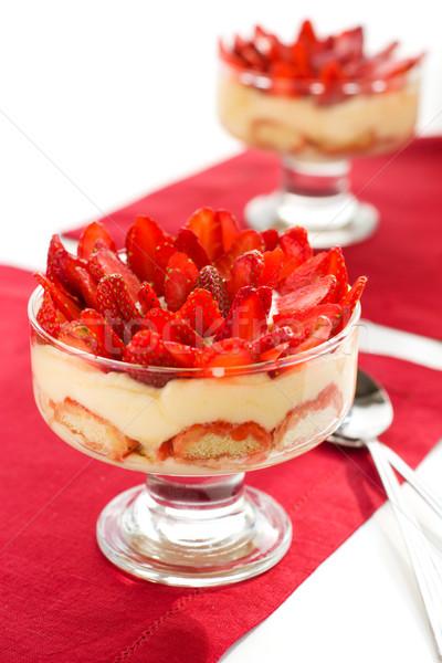 Fresa tiramisu postre vidrio alimentos frutas Foto stock © sarsmis