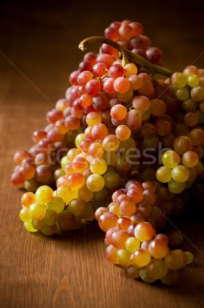 Druif zoete druiven houten tafel voedsel Stockfoto © sarsmis