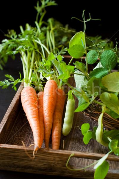 Taze havuç yeşil organik gıda ahşap Stok fotoğraf © sarsmis