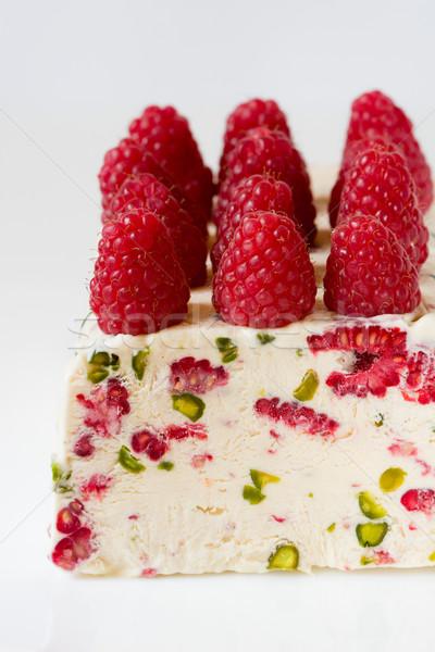 Málna fagylalt desszert friss édes dió Stock fotó © sarsmis