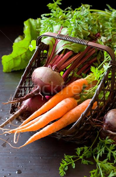 свежие органический морковь продовольствие древесины зеленый Сток-фото © sarsmis