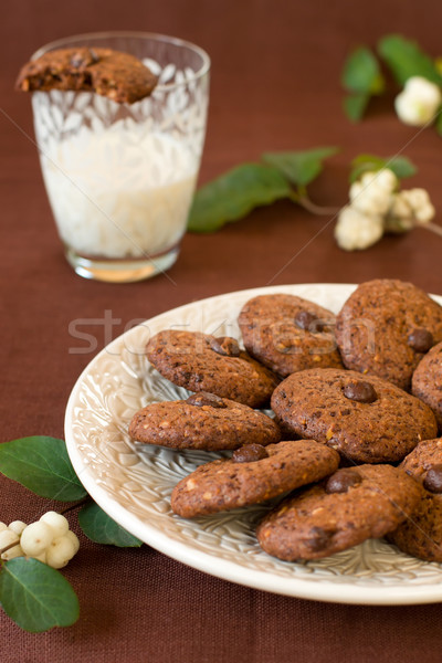 Csokoládé chip sütik házi készítésű dió tej Stock fotó © sarsmis