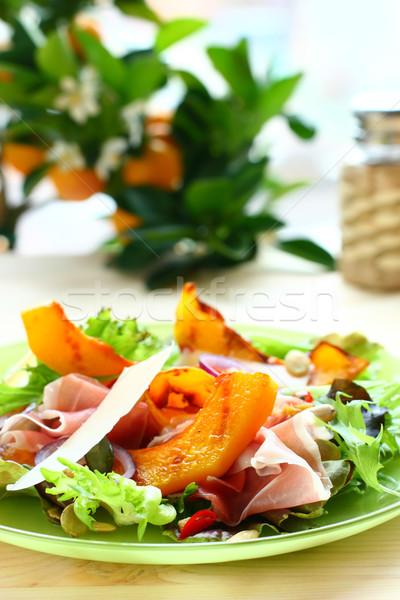 Pompoen salade prosciutto parmezaan kaas plaat Stockfoto © sarsmis