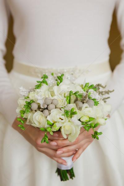 Güzel eller gelin kadın çiçek Stok fotoğraf © sarymsakov