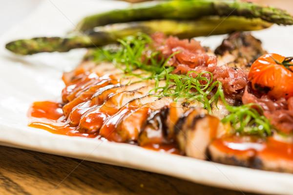 Pörkölt disznóhús vesepecsenye hagymák fűszer étterem Stock fotó © sarymsakov