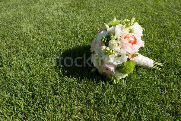 Esküvői csokor gyönyörű friss színes menyasszonyi virágcsokor Stock fotó © sarymsakov