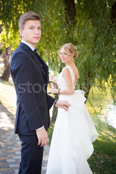 Güzel düğün çift güneş kadın Stok fotoğraf © sarymsakov