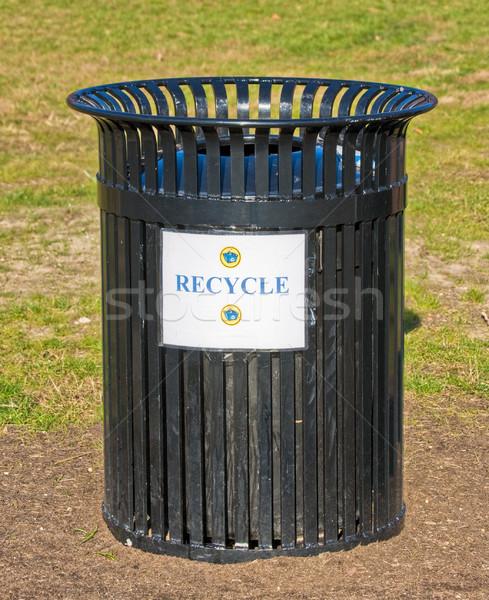 Recycle мусорный ящик за пределами знак зеленый мусора Сток-фото © sbonk