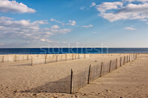 ビーチ 木製 砂 フォアグラウンド 海 空 ストックフォト © sbonk