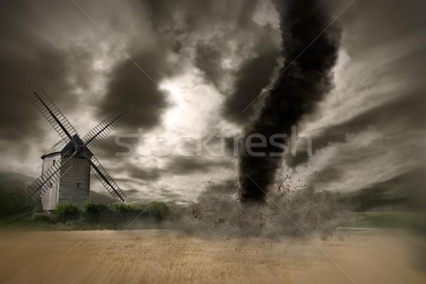 Grande tornado catástrofe ver campo tempestade Foto stock © sdecoret