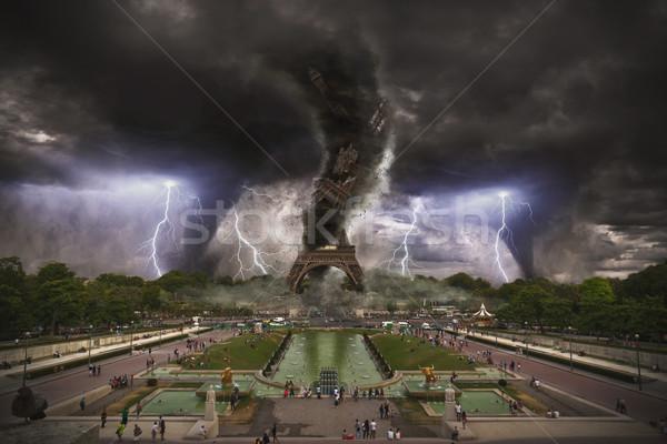 Büyük Eyfel Kulesi Paris alan fırtına rüzgâr Stok fotoğraf © sdecoret