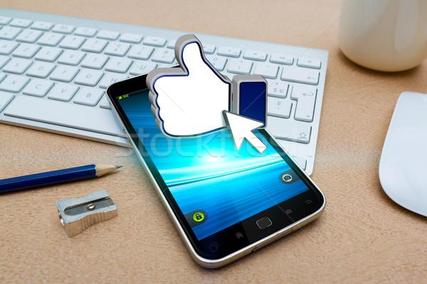 Teléfono móvil red social aplicación moderna oficina teléfono Foto stock © sdecoret