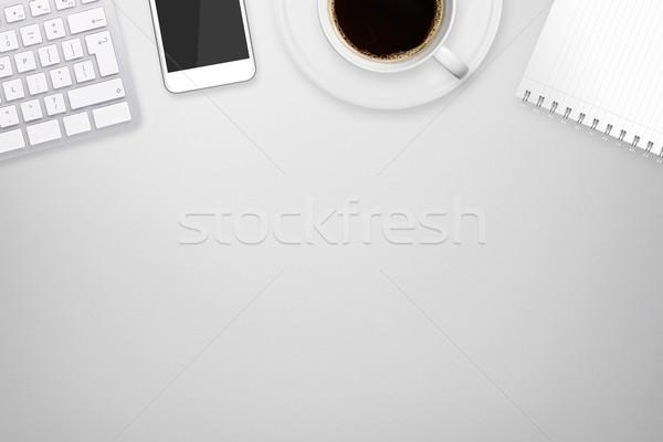 Lavoro tech cellulare tavola Foto d'archivio © sdecoret