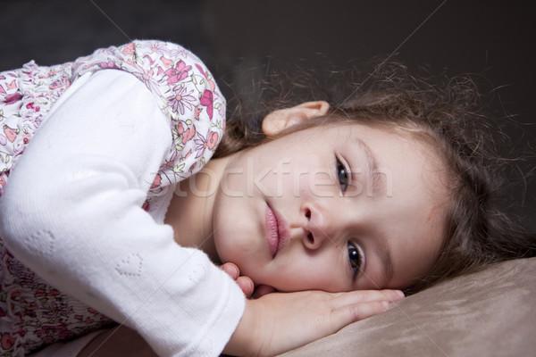 Młoda dziewczyna poduszka dziewczyna dziecko portret Zdjęcia stock © sdenness