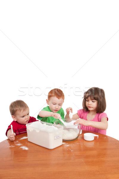 Gyerekek mér liszt konyha tál három Stock fotó © sdenness