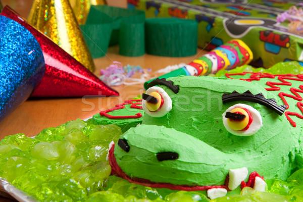 Gyerekek születésnapi torta díszítések közelkép születésnap krokodil Stock fotó © sdenness