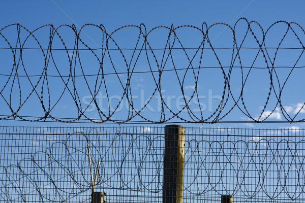 Gevangenis prikkeldraad top hek veiligheid South Africa Stockfoto © searagen