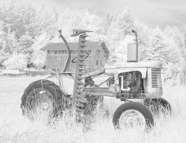 ファーム トラクター 赤外 古い 納屋 黒白 ストックフォト © searagen