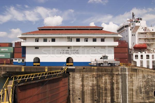 Panama csatorna hajó egy fő- épületek Stock fotó © searagen