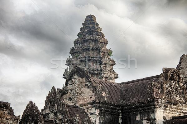 Um torre Angkor Wat cinco central torres Foto stock © searagen