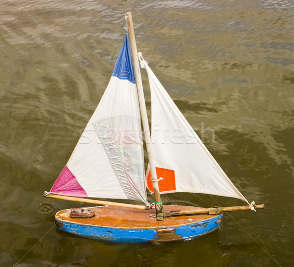 Pequeno brinquedo barco fora madeira navegação Foto stock © searagen