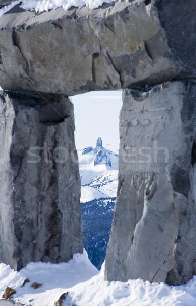 Preto presa ver montanha pessoa em pé Foto stock © searagen