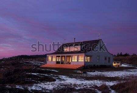 País cabina anochecer principal casa Foto stock © searagen