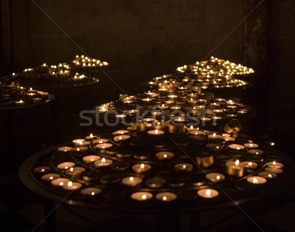 Oración velas pequeño té luz Catedral de Notre Dame Foto stock © searagen