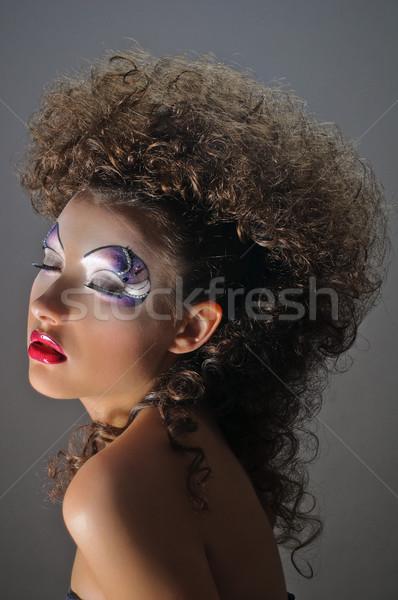 Lockig Mädchen Porträt schöne Mädchen Frau Gesicht Stock foto © seenad