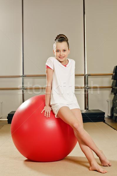 Gimnastyk dziewczyna piłka portret młodych piękna Zdjęcia stock © seenad