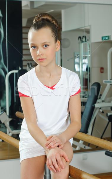 Portret młodych piękna gimnastyk sala gimnastyczna sportowe Zdjęcia stock © seenad