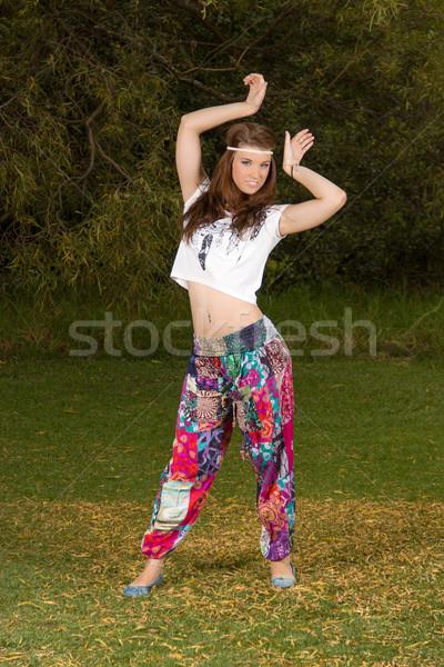 Bohemio estilo jóvenes mujer hermosa Foto stock © serendipitymemories