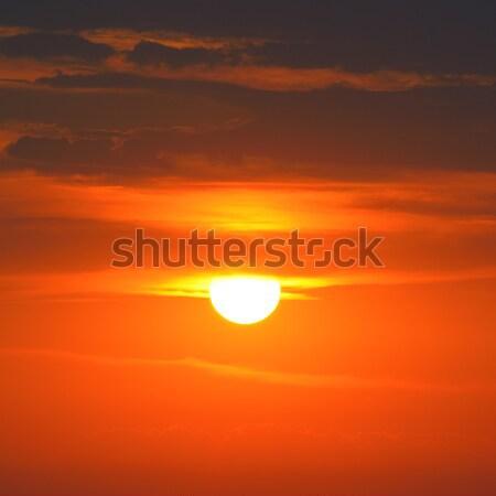 Fényes piros napfelkelte égbolt nap felhők Stock fotó © serg64