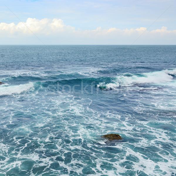 Mooie oceaan golven blauwe hemel strand hemel Stockfoto © serg64