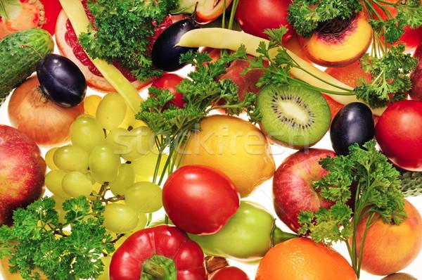 Frischen Früchte Gemüse weiß Hintergrund grünen Stock foto © serg64