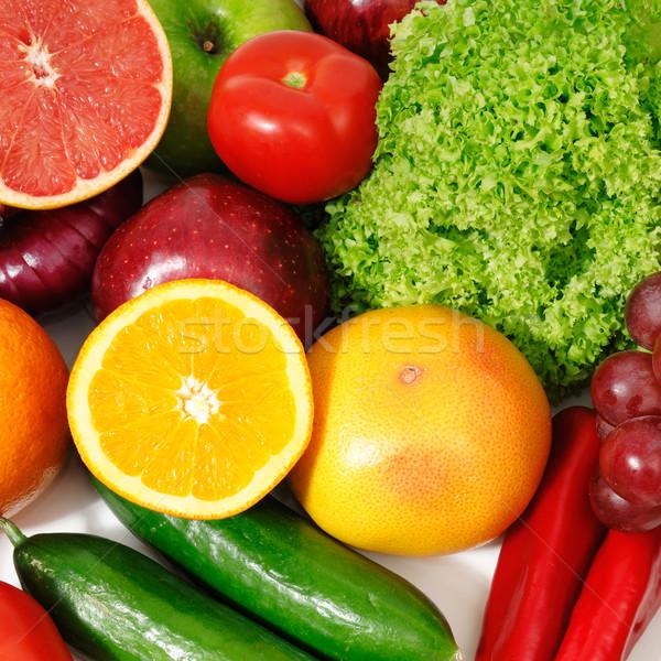 Früchte Gemüse isoliert weiß Hintergrund grünen Stock foto © Serg64